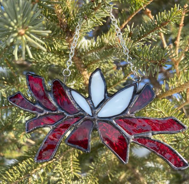 Suncatcher or tree ornament