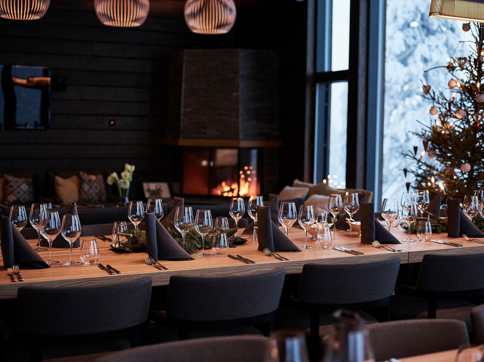 Dining and fireplace.jpg