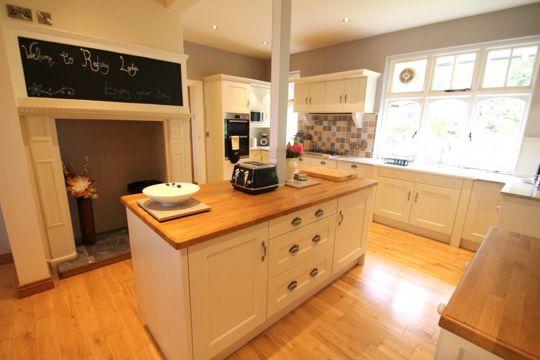 Kitchen 2 Exmoor.jpeg