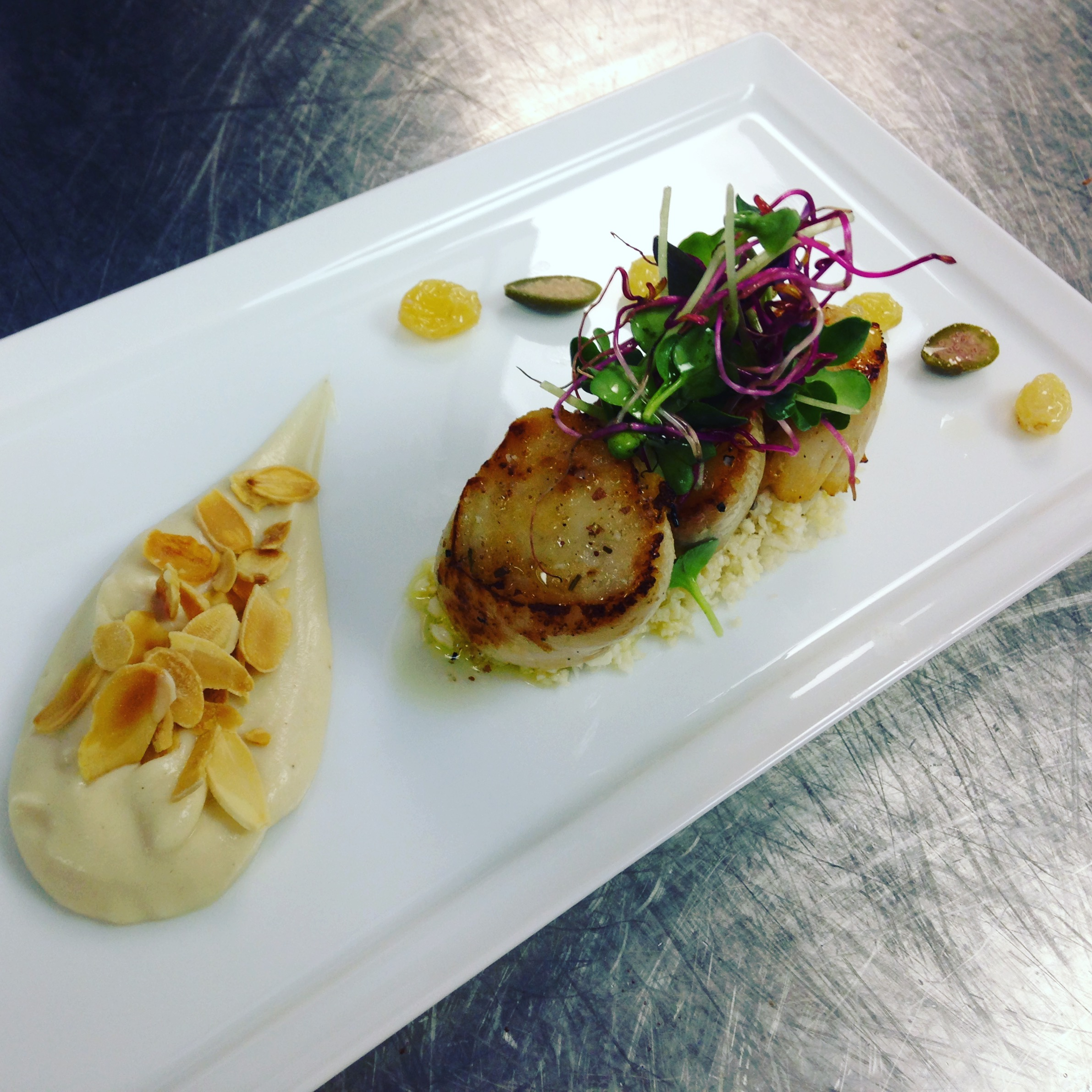 Scallops, cauliflower, almonds