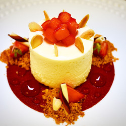 White choclate mousse & strawberries