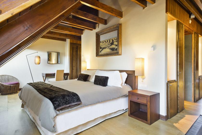 Occitania suite bed