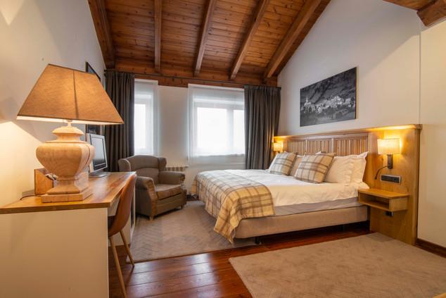 Chalet Eira Bedroom 2.jpg