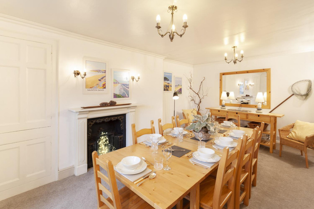 Dining room Exmoor.jpg