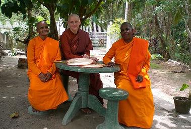 Rozcestník - schůzka s bhikkhuni Visud