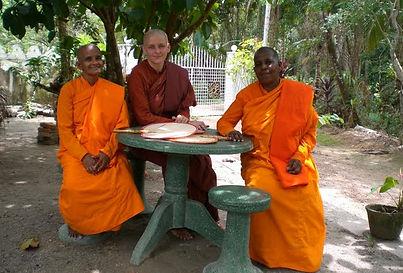 3. meeting with bhikkhuni Visuddhi.JPG