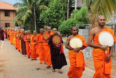 Rozcestí - historie bhikkhuni sanghy.jp