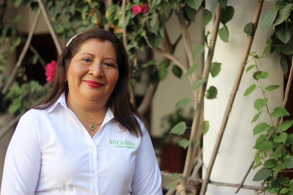 """""""A las mujeres les digo que debemos estar unidas y luchar por nuestros sueños, nadie dijo es fácil, pero con esfuerzo y empeño se puede llegar donde quiere.  Comparte Antonina Chamorro""""."""