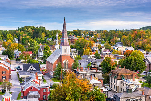 Montpelier, Vermont, USA autumn town sky