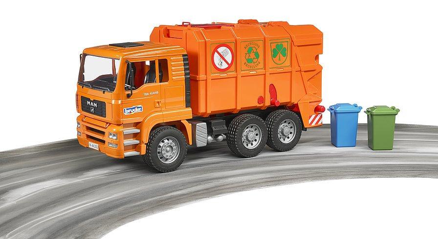camion rifiuti arancio