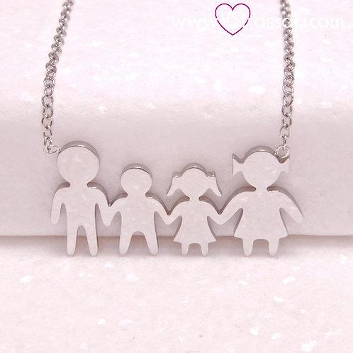 Ατσάλινο Κοντό Κολιέ Οικογένεια με Ένα Αγόρι και Ένα Κορίτσι Ασημί 4341