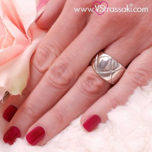 Ατσάλινο Δαχτυλίδι Ανάγλυφο με Ρόμβους Ασημί 2178
