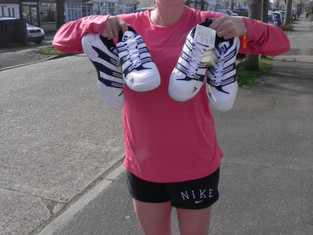 Former British Pro Anna Hawkins donates her tennis shoes to Africa!
