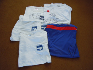 Tennis for Africa donate T-shirts