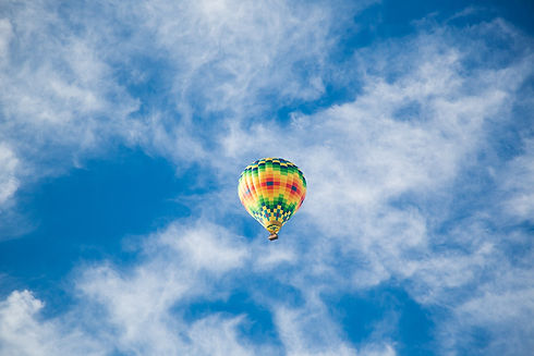 hot-air-balloon-865819_1280.jpg