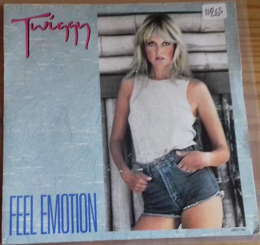 """Twiggy (2) - Feel Emotion (7"""", Single) (Arista)"""