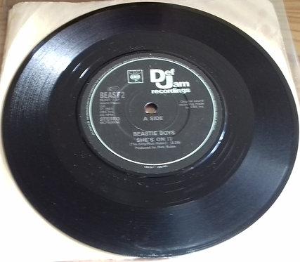 """Beastie Boys - She's On It (7"""", Single, RE) (Def Jam Recordings, CBS)"""