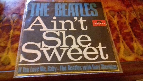 "The Beatles - Ain't She Sweet / If You Love Me, Baby (7"", Single, Mono)"