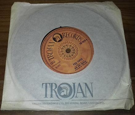 """Bob And Marcia* - Pied Piper (7"""", Single, Sol) (Trojan Records)"""