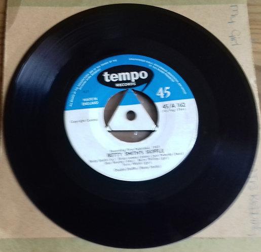 "Betty Smith's Skiffle - There's A Blue Ridge Round My Heart Virginia (7"", Single"