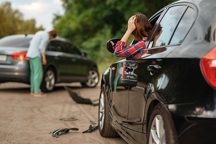 male-female-drivers-after-car-accident-r