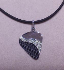 Pendente Fibra Carbonio e Diamanti