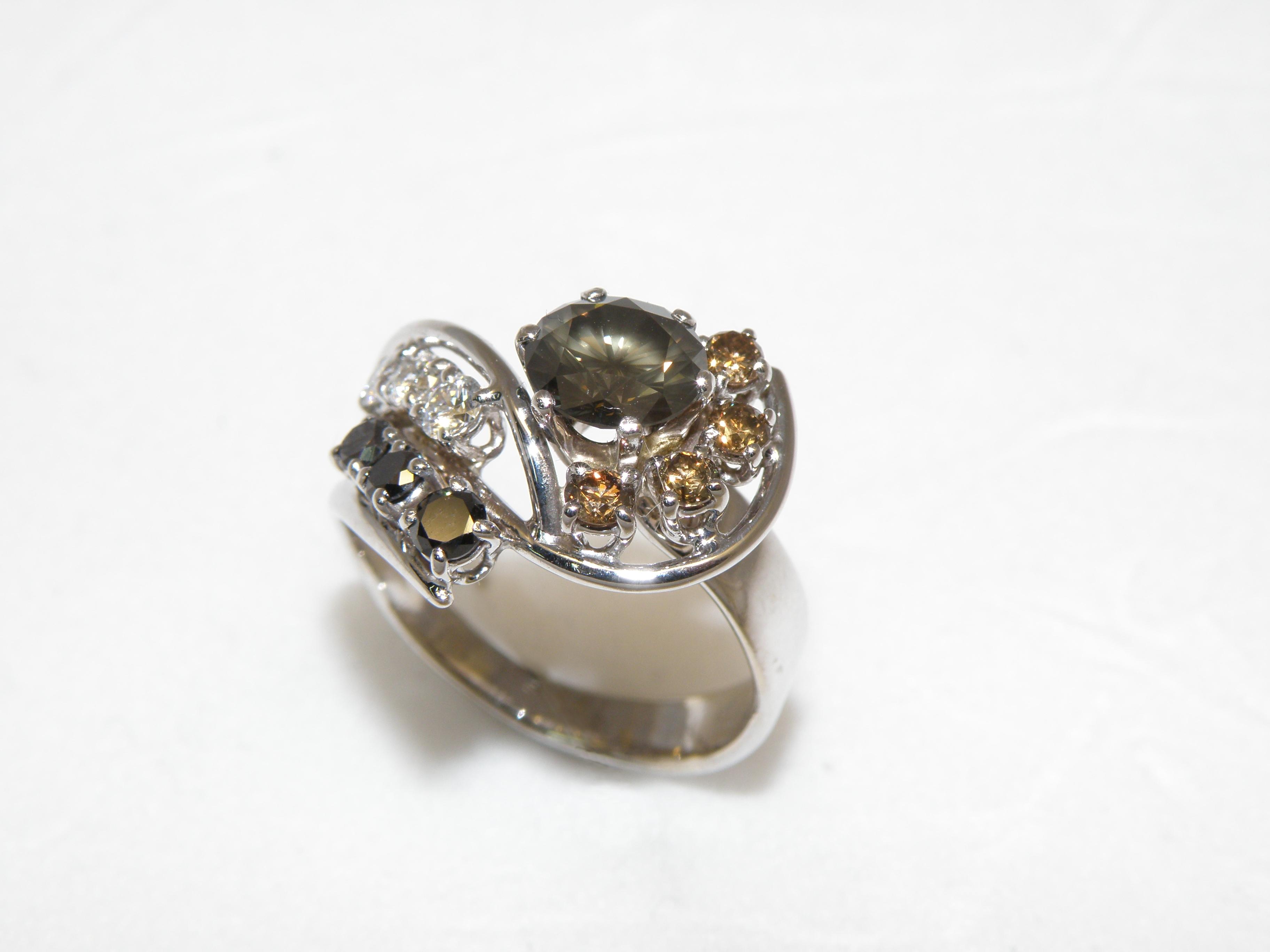 Anello con Diamanti...