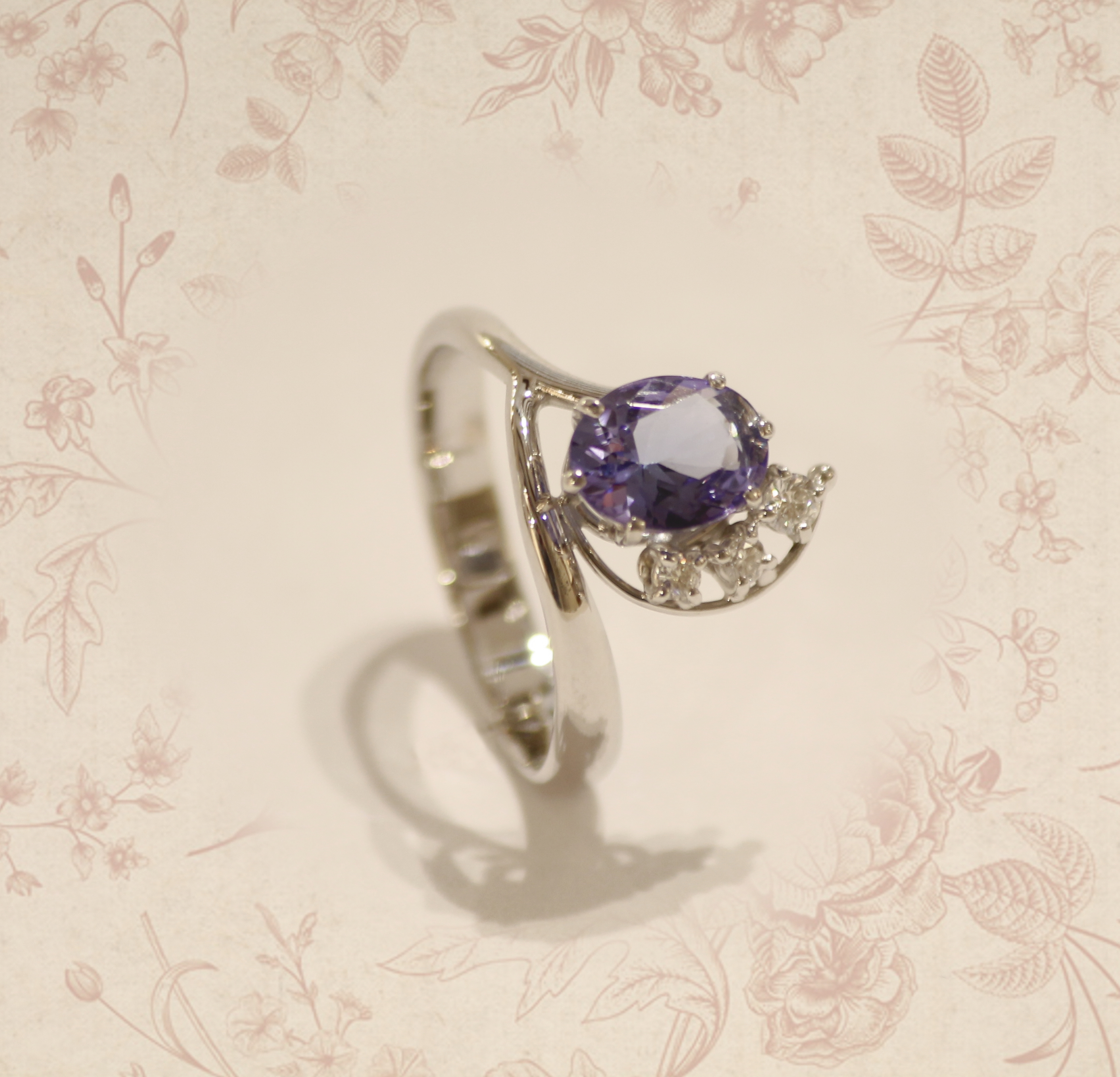 Anello tanzanite e diamanti