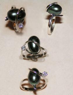 Anello perla Tahiti e Diamante