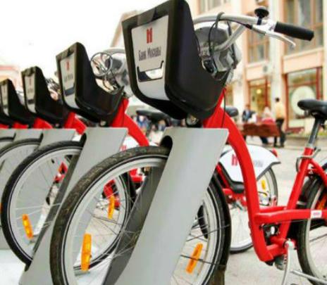 Recorrer Moscú con una bicicleta