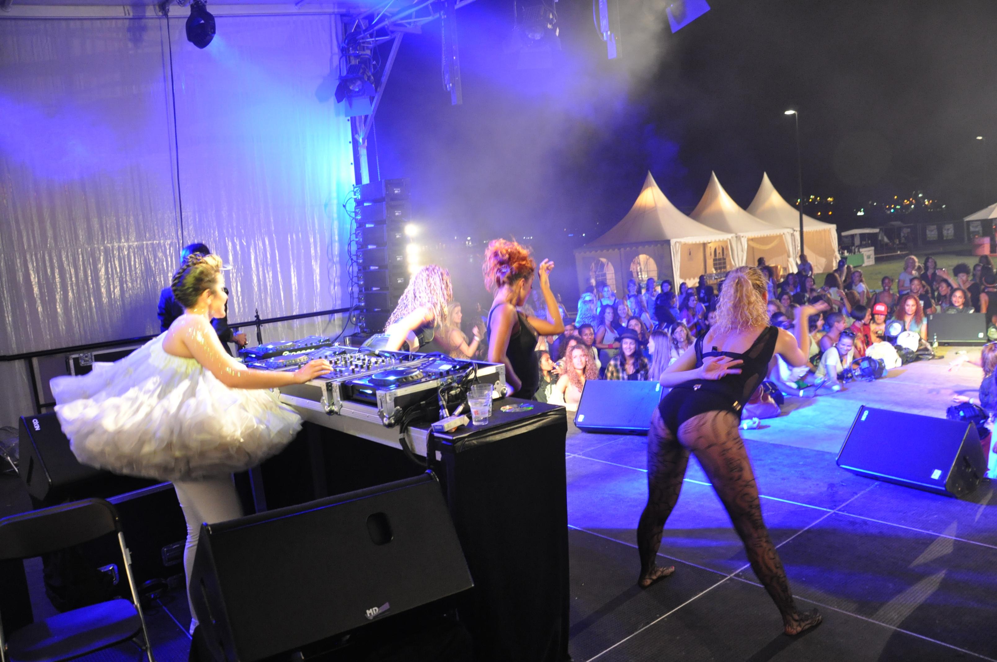 Festival 9