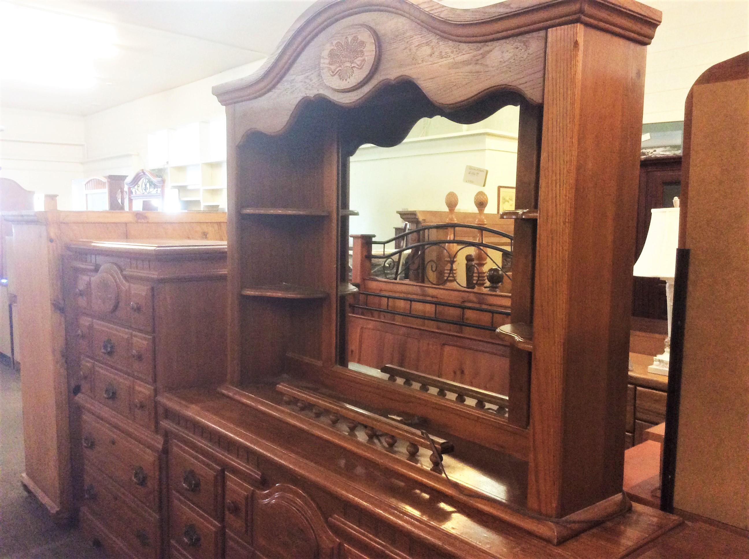 Dresser+ Mirror Hutch