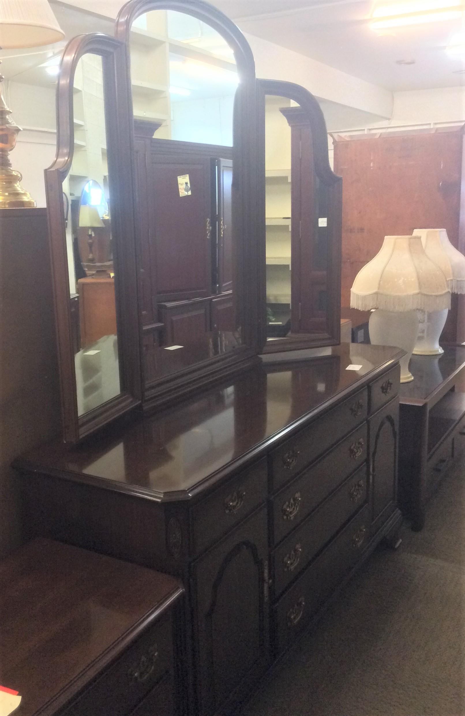 Dresser+3 mirror