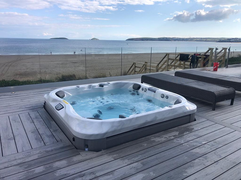 Jacuzzi J-335 hot tub for sale. The Warr