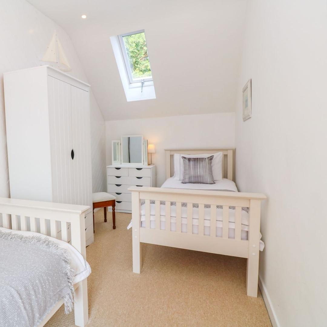 Scott's Cottage twin bedroom