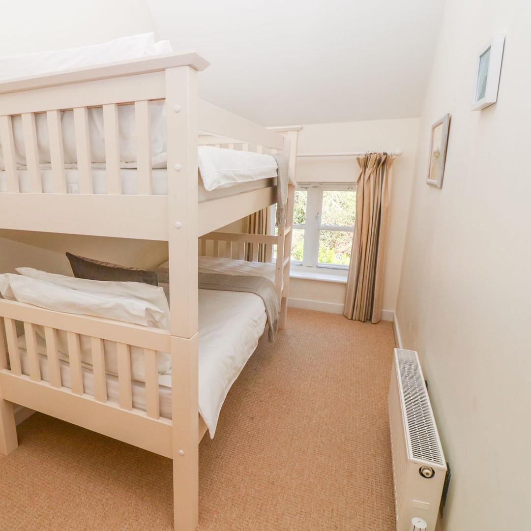 Scott's Cottage bunk bedroom