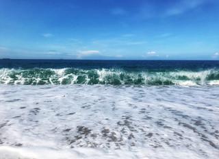 Waves at Loebar Porthleven