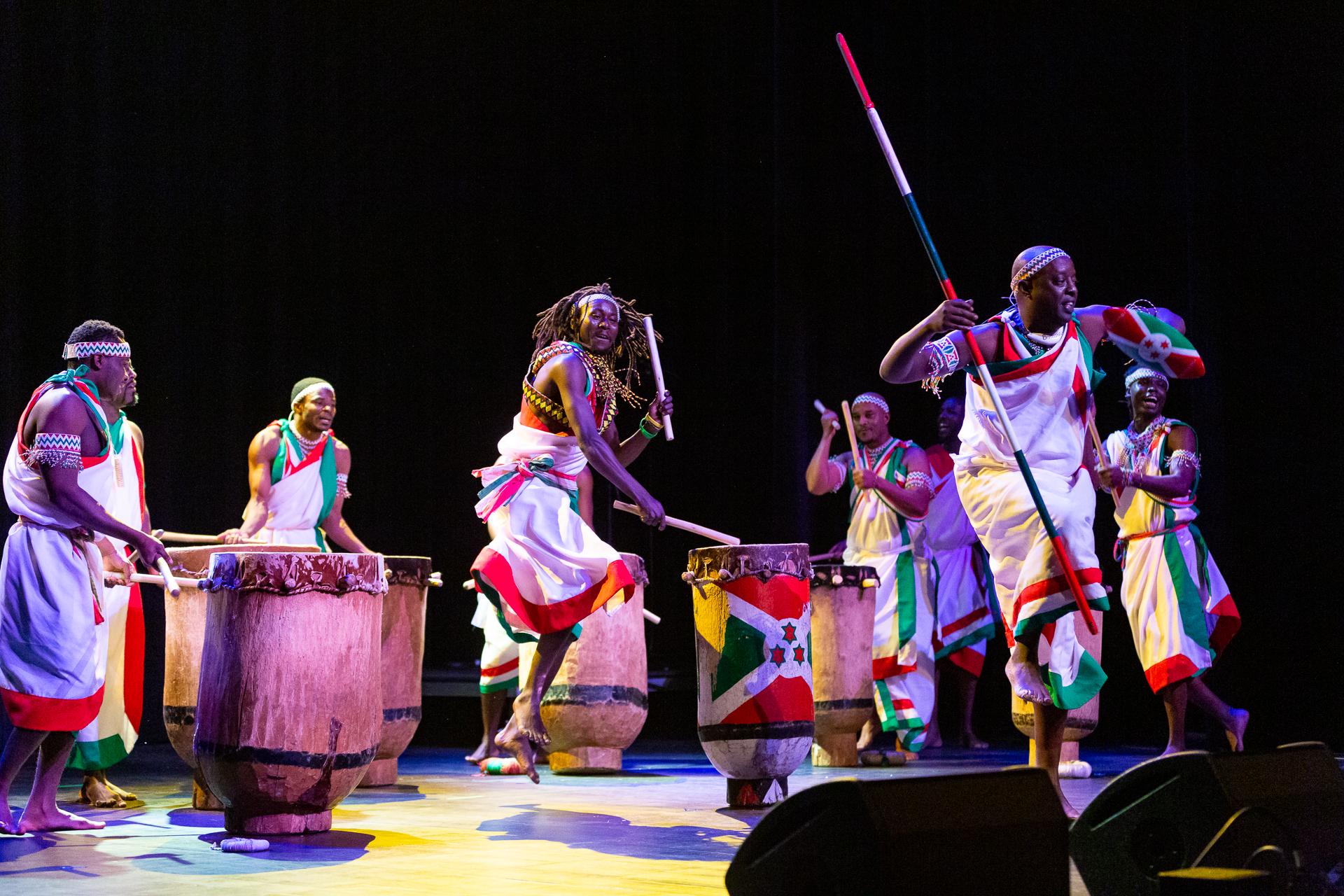 Tambours Bourundi_006.jpg
