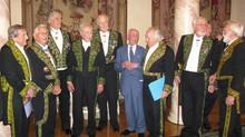 "Reseña 2009. Marino di Teana recibe el premio, ""Commandant Paul-Louis Weiller"",que otorga"
