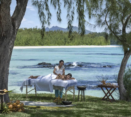 Spa Massage (Outdoor) Shangri La Le Toue