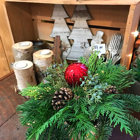 Swag & Centerpiece in a Cup Workshop (Saturday, 11/28 @ 11am)