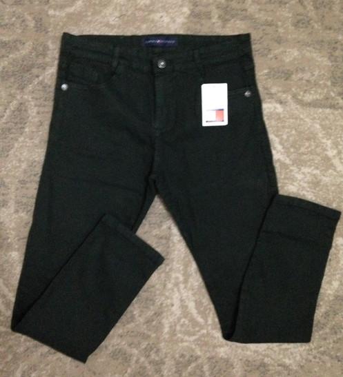862ecc3a92f Calça Skinny Verde Musgo - Tommy Hilfiger. R  95.00. Calça Skinny com  elastano Tamanhos 40