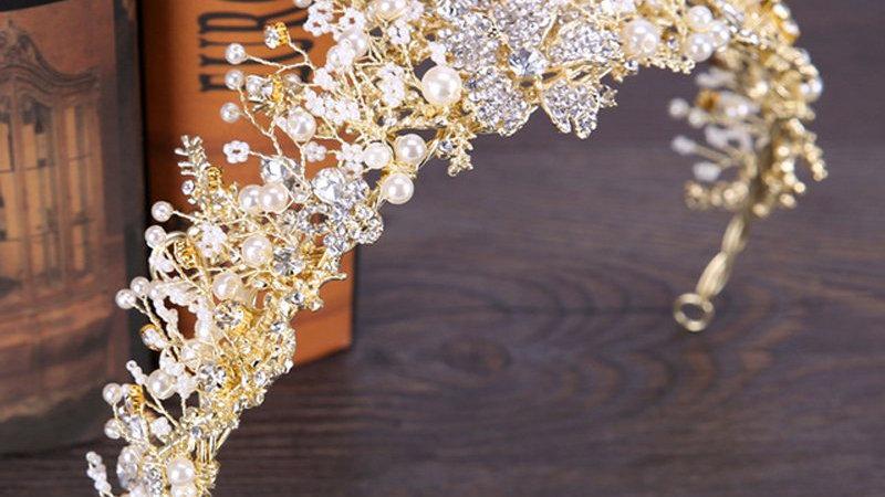 Coroa de Noivas em Pedrarias montada a mão -  Nervasha