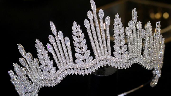 Coroa de Noivas em Zircônia - Aurora