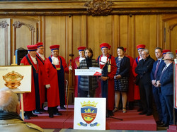 Mme DEBELLE, maire adjoint