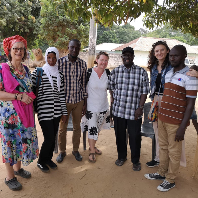 Jaliba and members of the research team