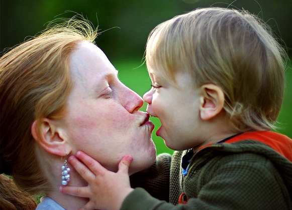 2015-05-07 20_53_33-A Mother's Kiss [123_365] _ Flickr - Photo Sharing!.png