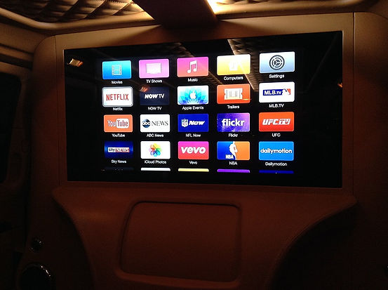 apple-tv-fitted-into-the-mercedes-viano-