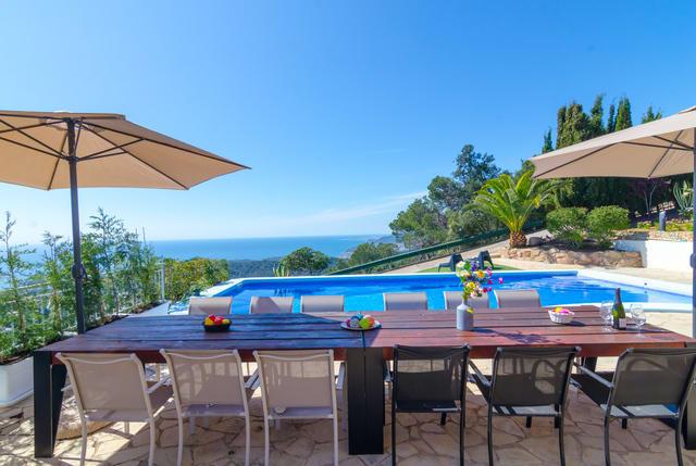10-bedrooms-villa-sant-eloi-spain-travelopo-72-2275d20be8f69d2ad43d440048259770