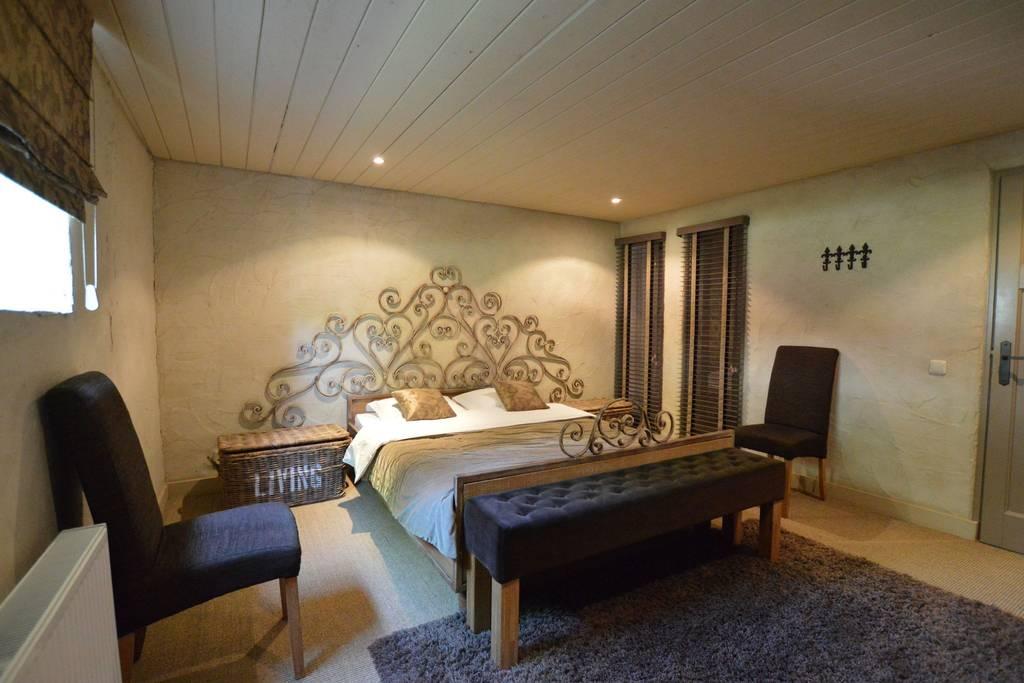 Schlafzimmer 2, Doppelzimmer, Bett